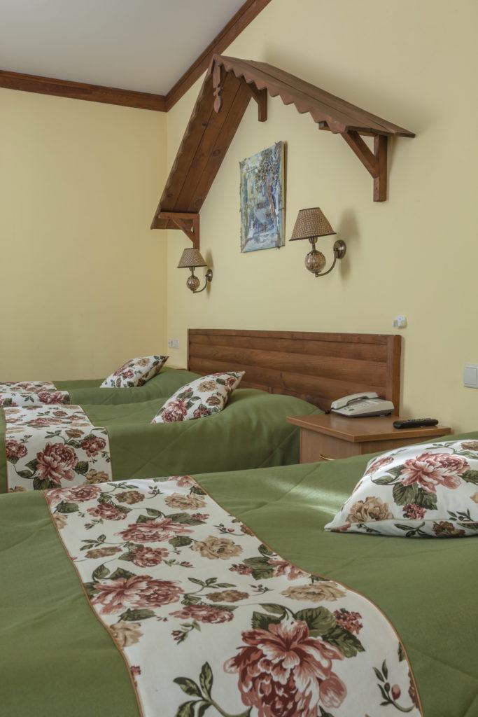 http://hotel-snegurochka.ru/wp-content/uploads/2017/04/IMG_0119_resize-1-683x1024.jpg