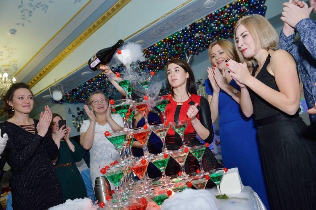 http://hotel-snegurochka.ru/wp-content/uploads/2019/01/foto-26-Kopirovat-1024x683.jpg
